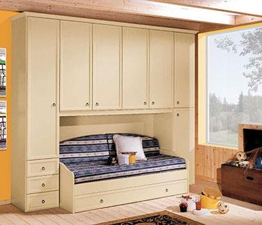 Εξάφυλλη ανοιγόμενη ντουλάπα σε σύνθεση με καναπέ κρεβάτι Linda Ducale LD 19