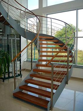 Μεταλλική σκάλα κρεμαστή 1