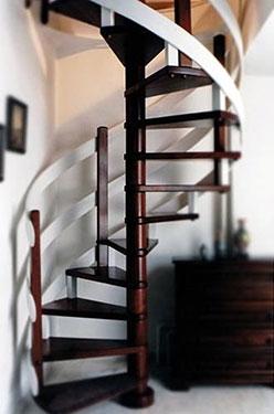 Ξύλινη σκάλα κυκλική MAGNOLIA