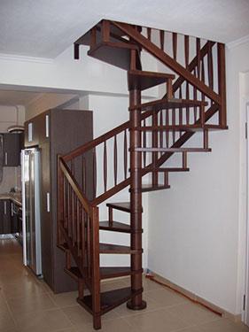 Ξύλινη σκάλα κυκλική QUADRA