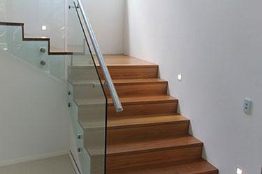 Ξύλινη επένδυση σκάλας ART 00194