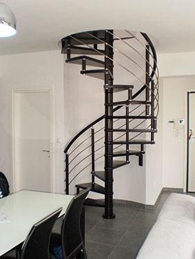 Ξύλινη κυκλική σκάλα ART 01043